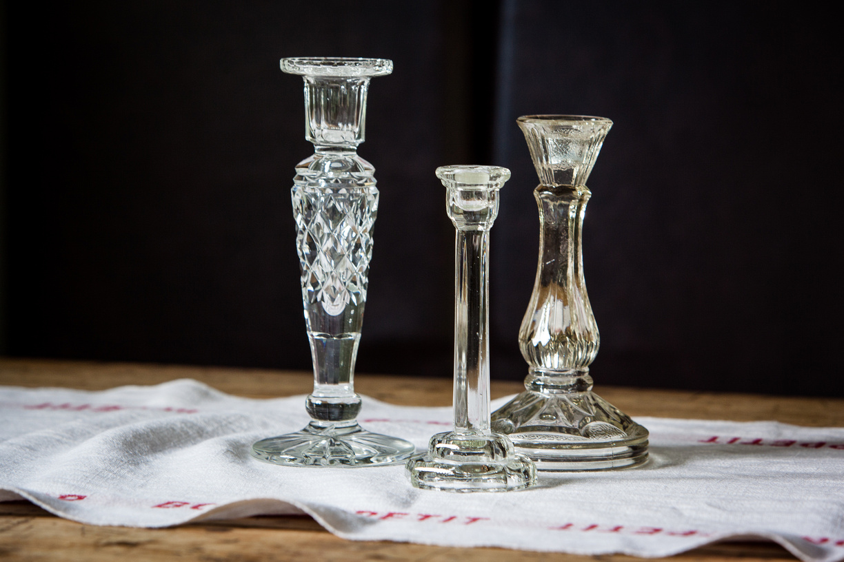 U-vintage_glass_candlestick_wedding_event_table_centrepiece (8)