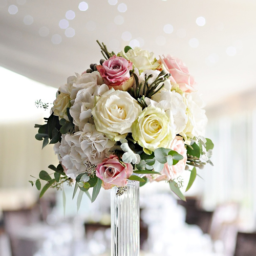 MRomantic_luxury_Hogarths_hotel_wedding_ivory_soft_pink_flowers (10)