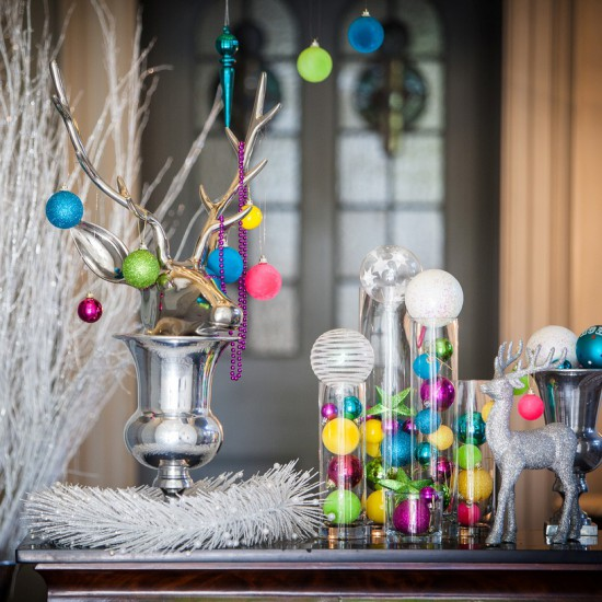 AAA_Bright_colourful_white_silver_Christmas_styling_decorations_decor_private_bespoke (3)