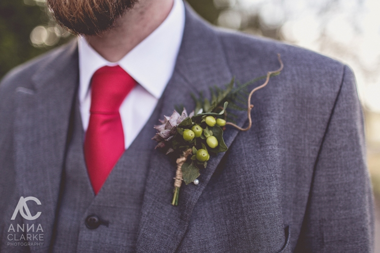 west_midlands_wedding_styling_flowers_hire_woodland_rustic_florist_bouquet_red_rose-5